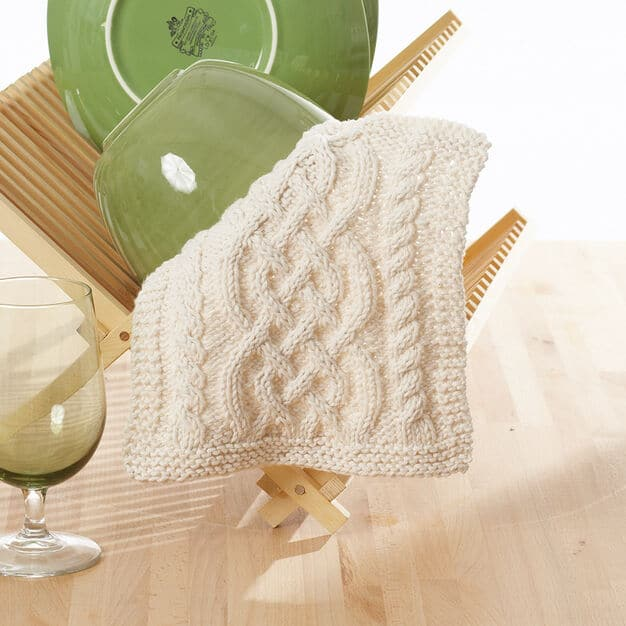 If you've been bit by the knitting bug, you know you just want to knit everything in sight! Try these FREE knitting patterns for your home!