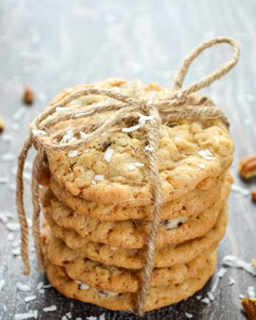 A stack of 6 cookies, tied with a piece of twine.
