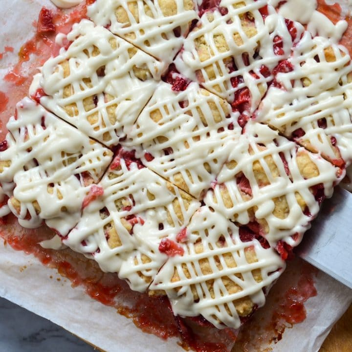 9 strawberry oatmeal crumb bars with drizzle.
